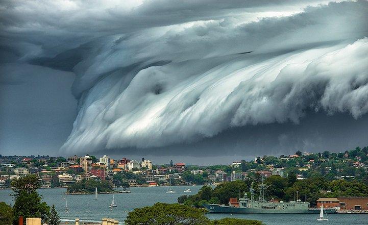 Облако-цунами над Сиднеем