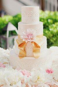 Свадебный подарок в виде торта