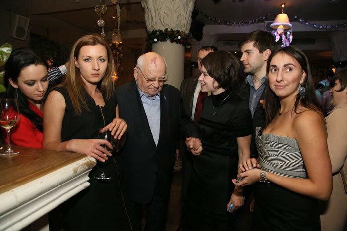 Оксана Чиж, Михаил Горбачев, Тоня Самсонова, Дмитрий Борисов и Ирина Баблоян