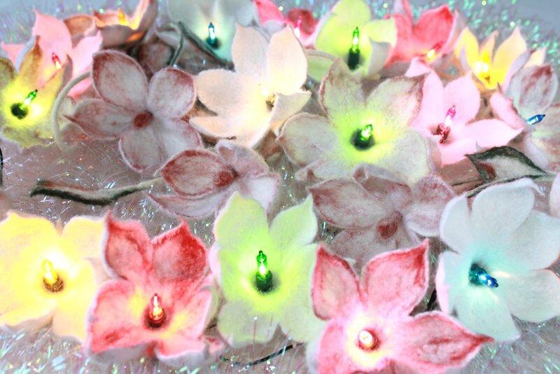 Праздничная гирлянда «Снежные цветы»