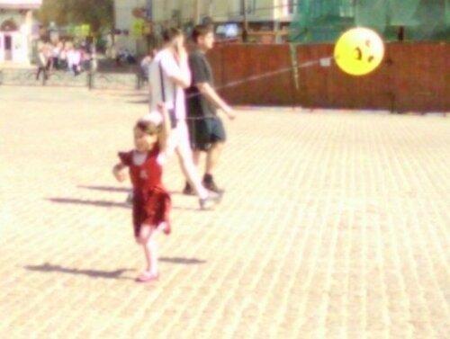 девочка и шарик