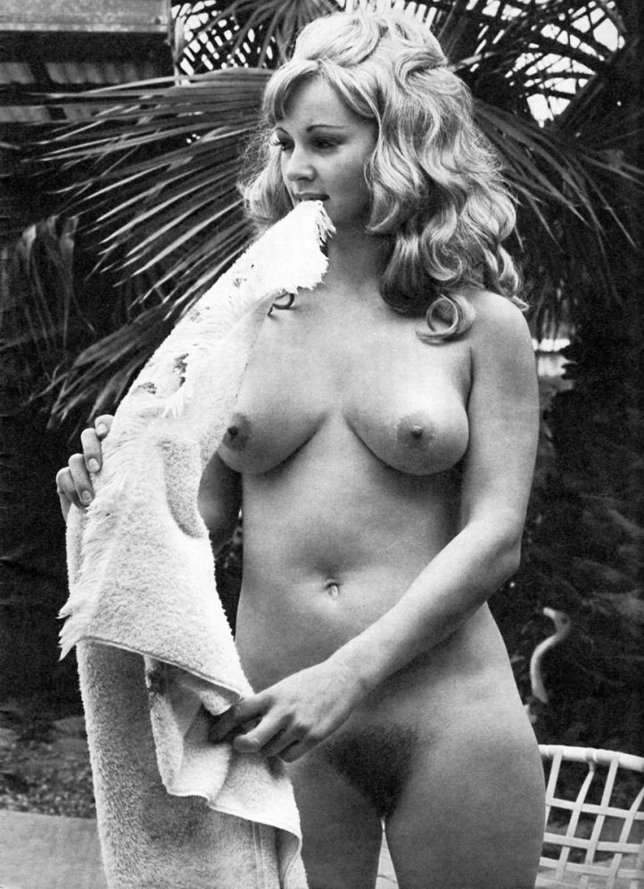 Carls bruni nude photos