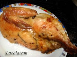 Готовая курица, запеченная в духовке