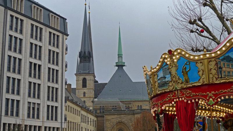 шпили кафедрального собора