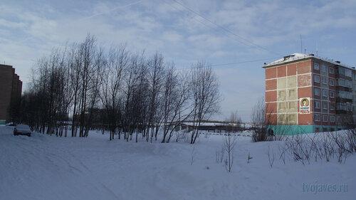Фотография Инты №3604  Двор Мира 36 (северная сторона дома) и Мира 34 19.02.2013_11:58