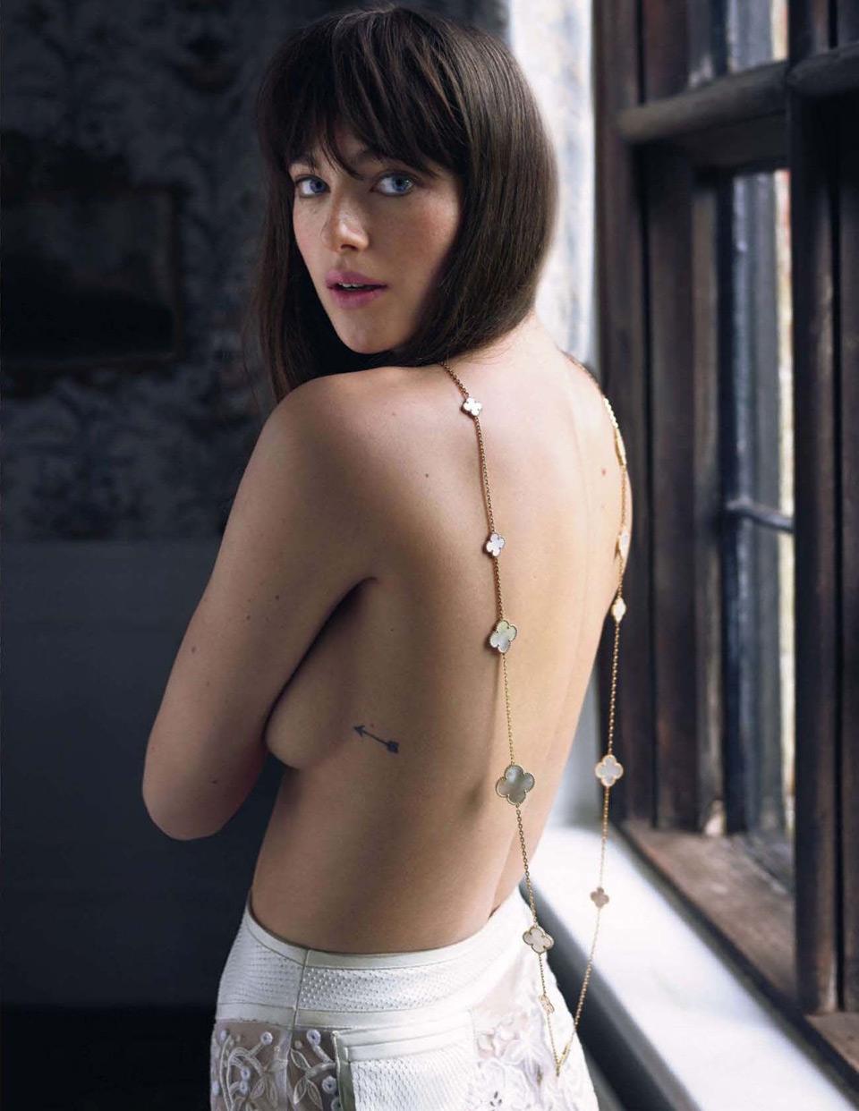 Aktrisa-Milli-Brejdi-v-zhurnale-Tatler-9-foto