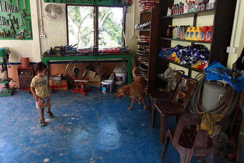 Ремонт байка в Тайланде