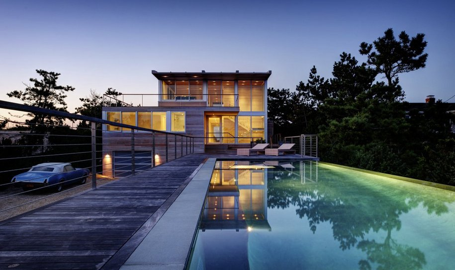 Частный дом с бассейном в Саутгемптоне