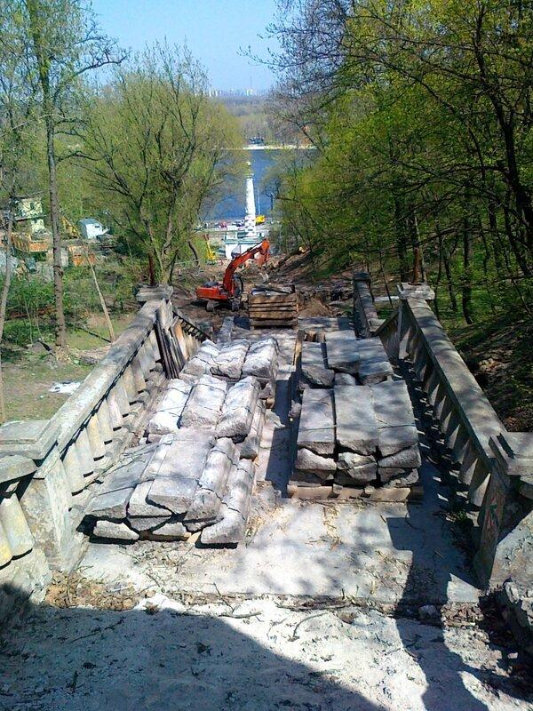 Реконструкция лестницы к месту крещения Руси