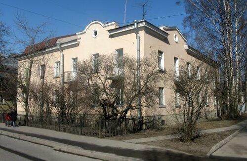 Дибуновская ул. 13