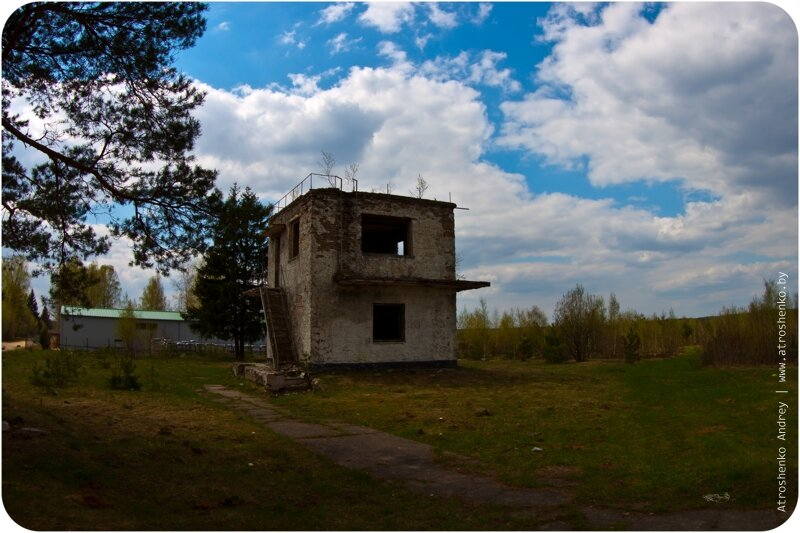 заброшенные здания на полигоне военной академии