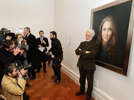 В Великобритании представлен первый официальный портрет герцогини Кембриджской
