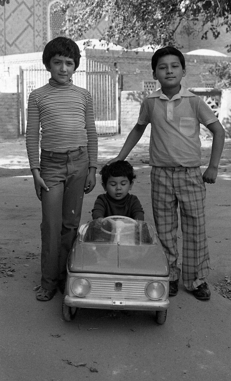 Мальчики в Самарканде