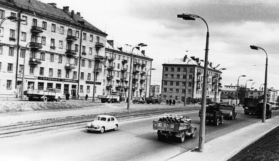 1961.03. Брест-Литовское шоссе (теперь проспект Победы). Фото: Примаченко А.