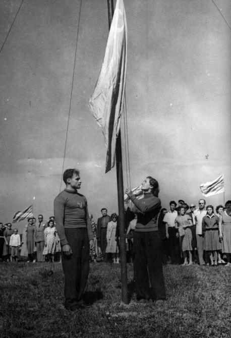 1957.09. Торжественное открытие чемпионата СССР по парашютному спорту в Киеве