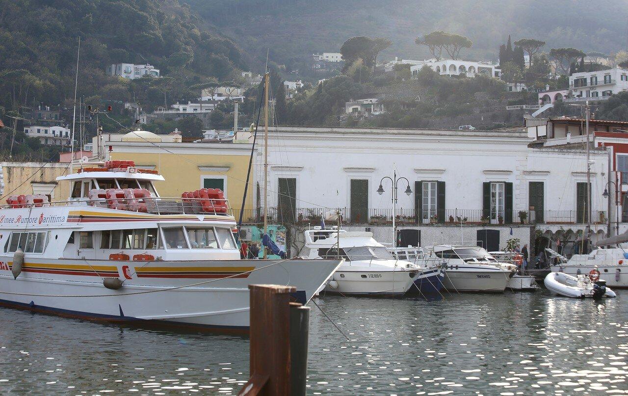 Порт Искья (Porto-di-ischia)