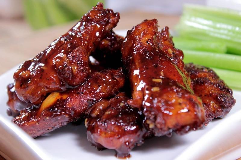 31. Готовьте мясо в меде Забудьте про калорийные маринады и соусы. Попробуйте приготовить мясо в мед