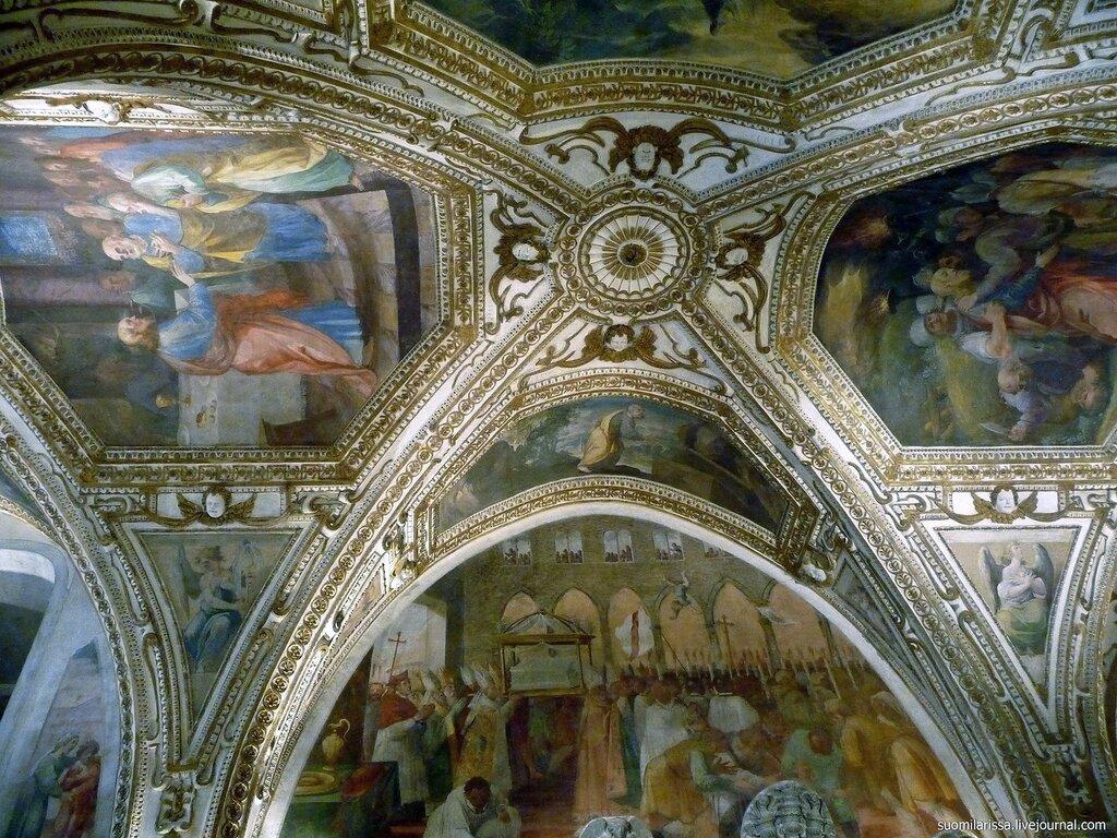 Крипта Кафедрального собора Амальфи. Италия.
