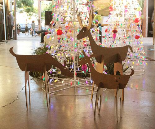 Новогодние символы - картонные олени