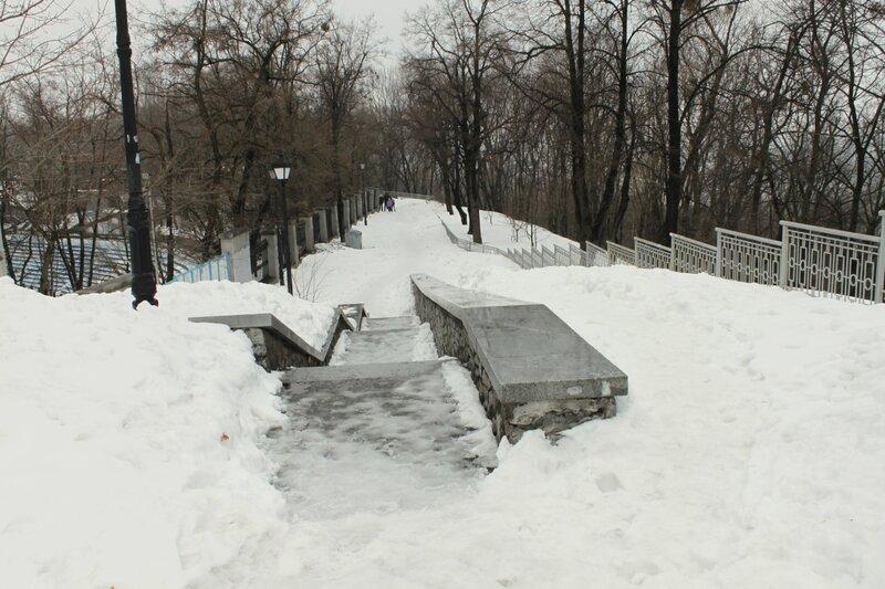 Спуск к восточным воротам стадиона Динамо