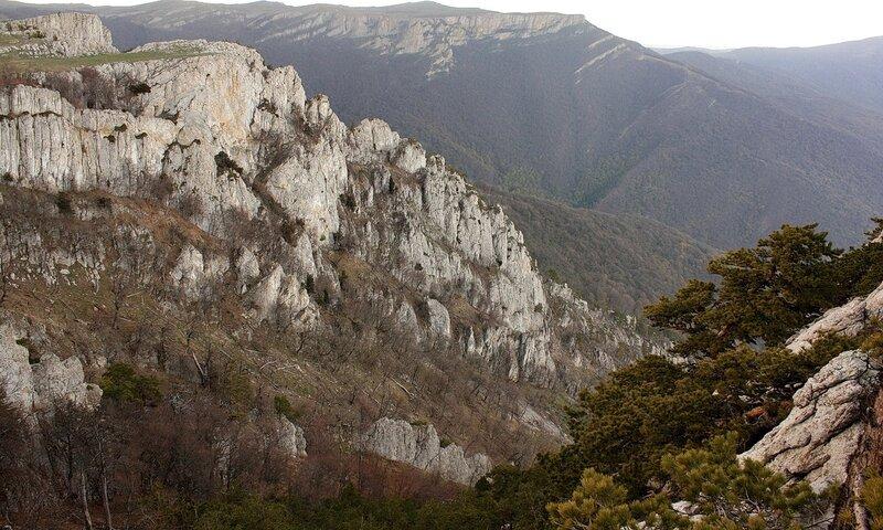 Утренний вид на скалы