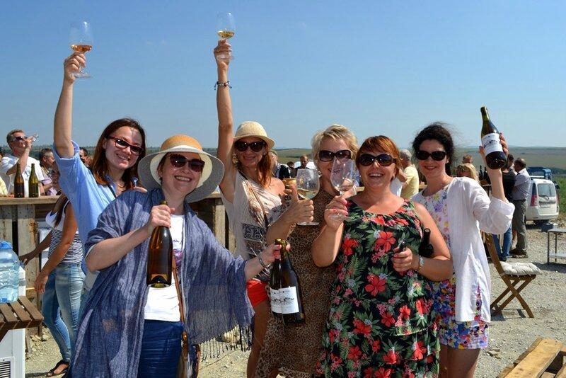Группа винных туристов из Москвы под предводительством Виктории Лебедевой.JPG