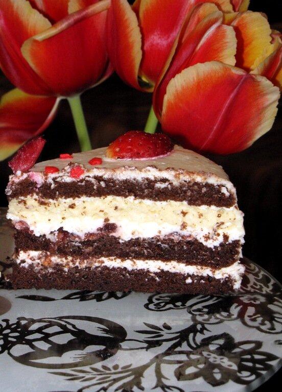 Шоколадный торт с вишней и крем чизом
