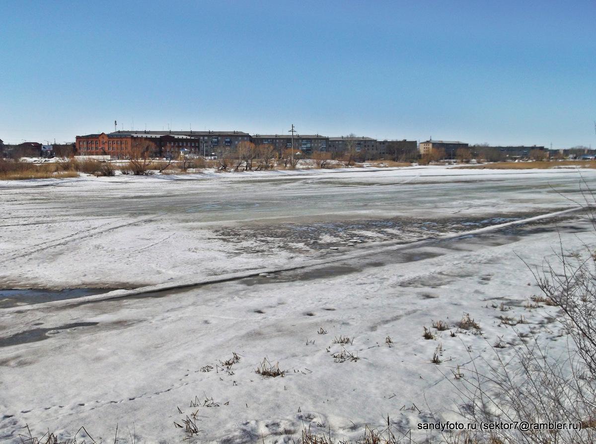 6 апреля, состояние льда на реке (Троицк, Челябинская область)