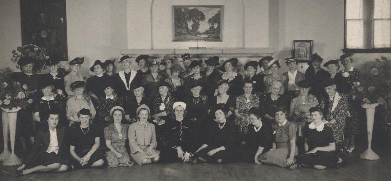 Женский клуб, 1940 г.