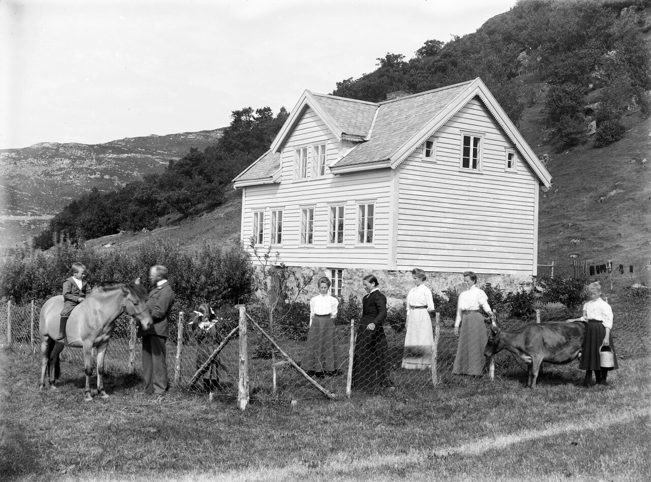Дом и семья. Западная Норвегия, около 1890-1910