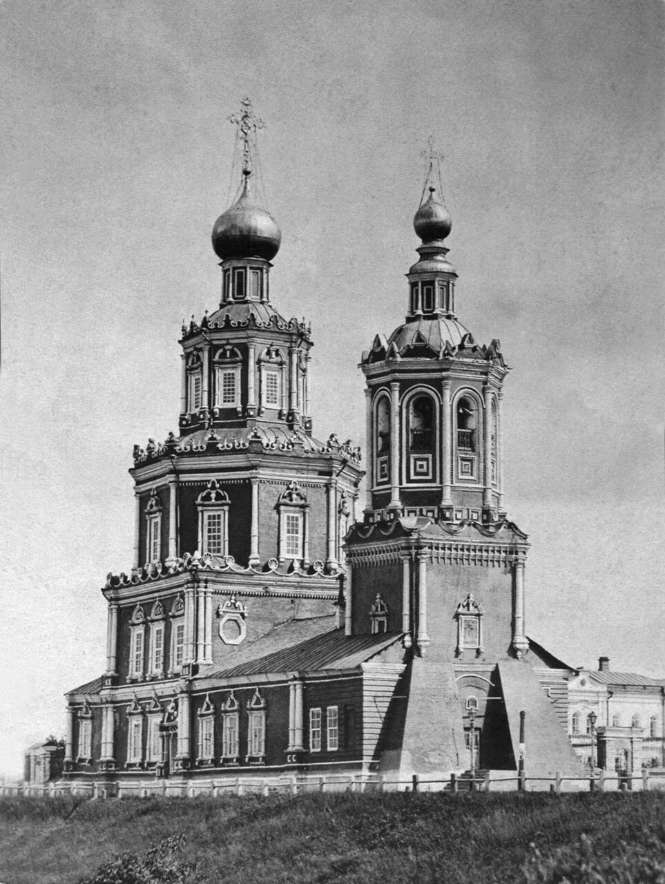 Георгиевская церковь на Верхневолжской набережной