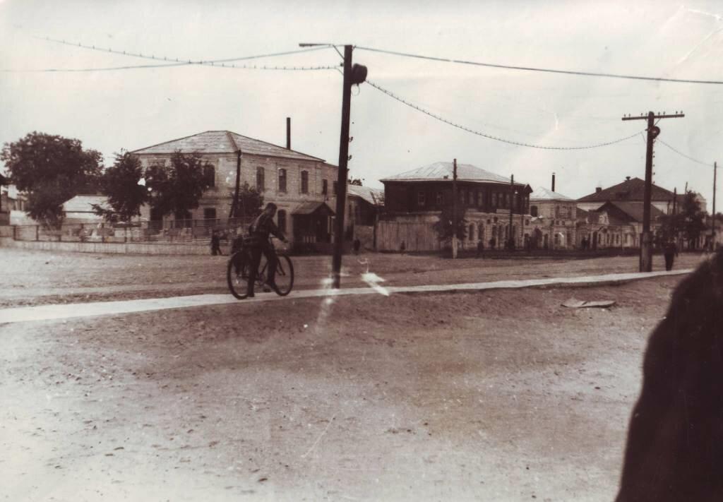 Вид на центр поселка с площади