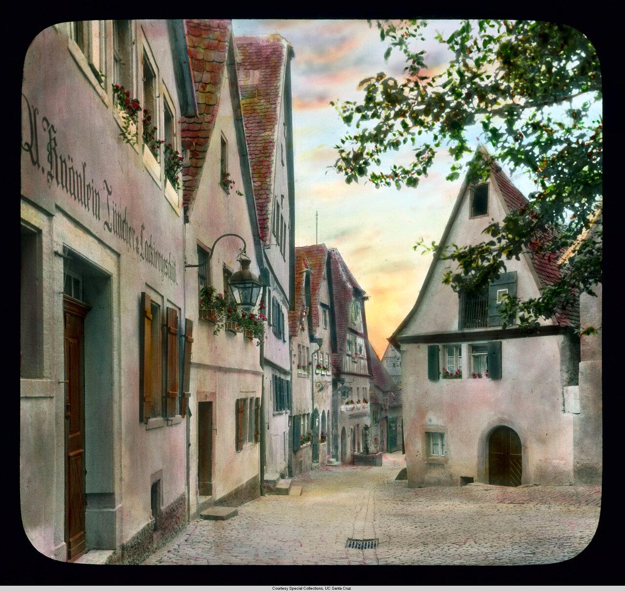 Ротенбург-на-Таубере. Альтштадт (Старый город), дома с узкими, вымощенными булыжниками улицами