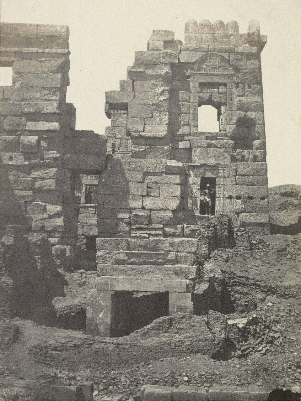 Мединет-Абу. Северная часть храма Рамзеса III. 1849