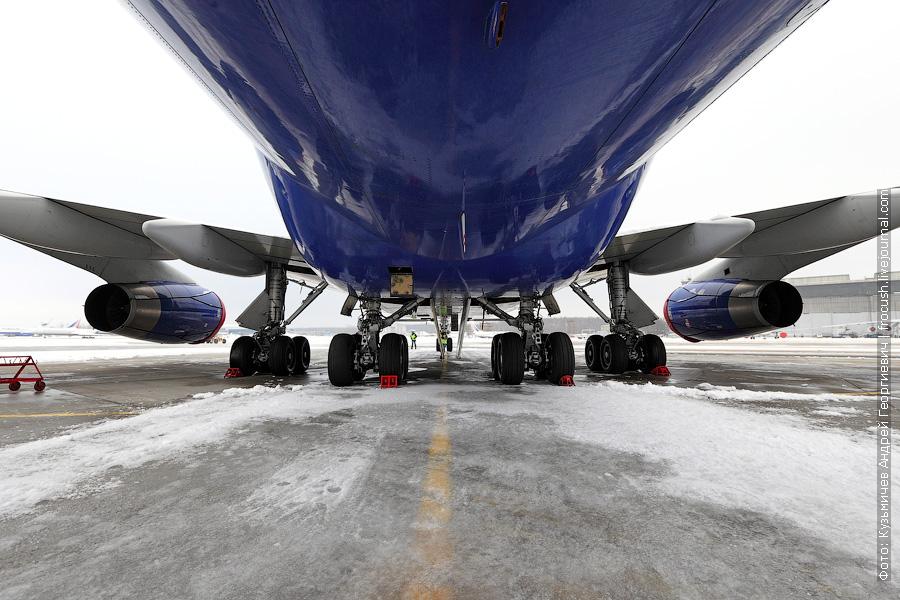 шасси Boeing 747-444 (VP-BKL) «Трансаэро»