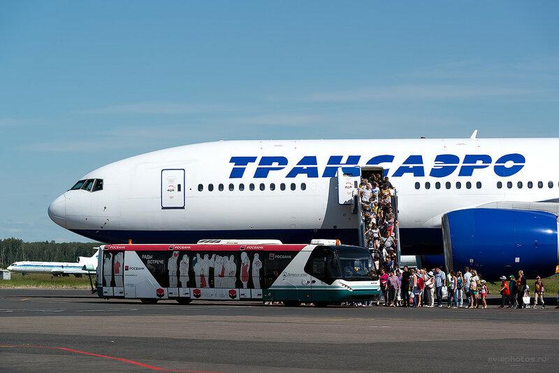 Boeing 777-212/ER (EI-UNU) Трансаэро D808677