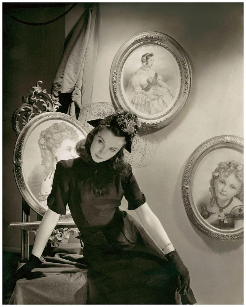 Vivien Leigh en 1941 VOGUE Photo Cecil Beaton.jpg