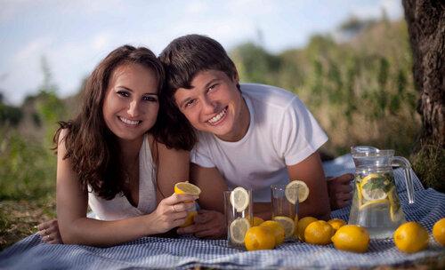Ваше отличное настроение и зажигательные улыбки не может испортить даже лимон!