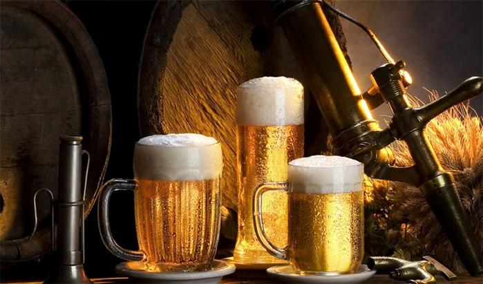 Потушите огонь! 10 невероятных вещей, которые можно сделать с пивом