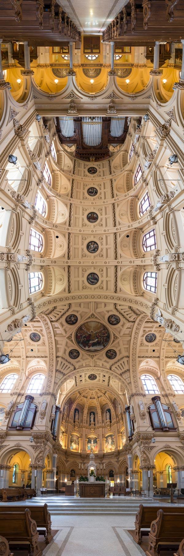 Вертикальные панорамы свода церкви