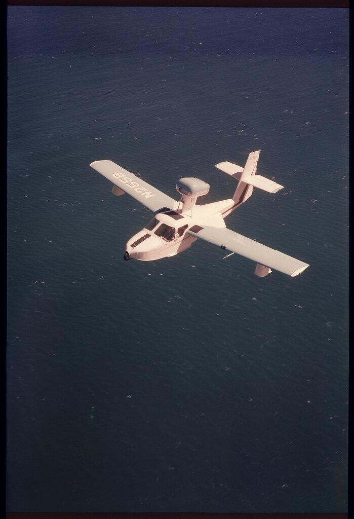 Colonial C-2 Skimmer (rn N255B) in flight