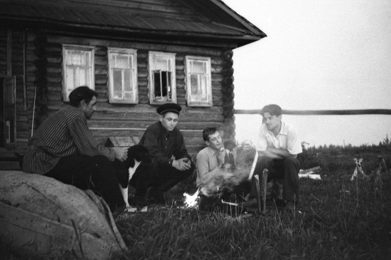 Разбойница - деревня в Вохомском районе Костромской обл.