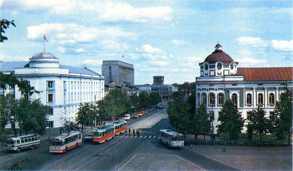 Калинин, Советская площадь