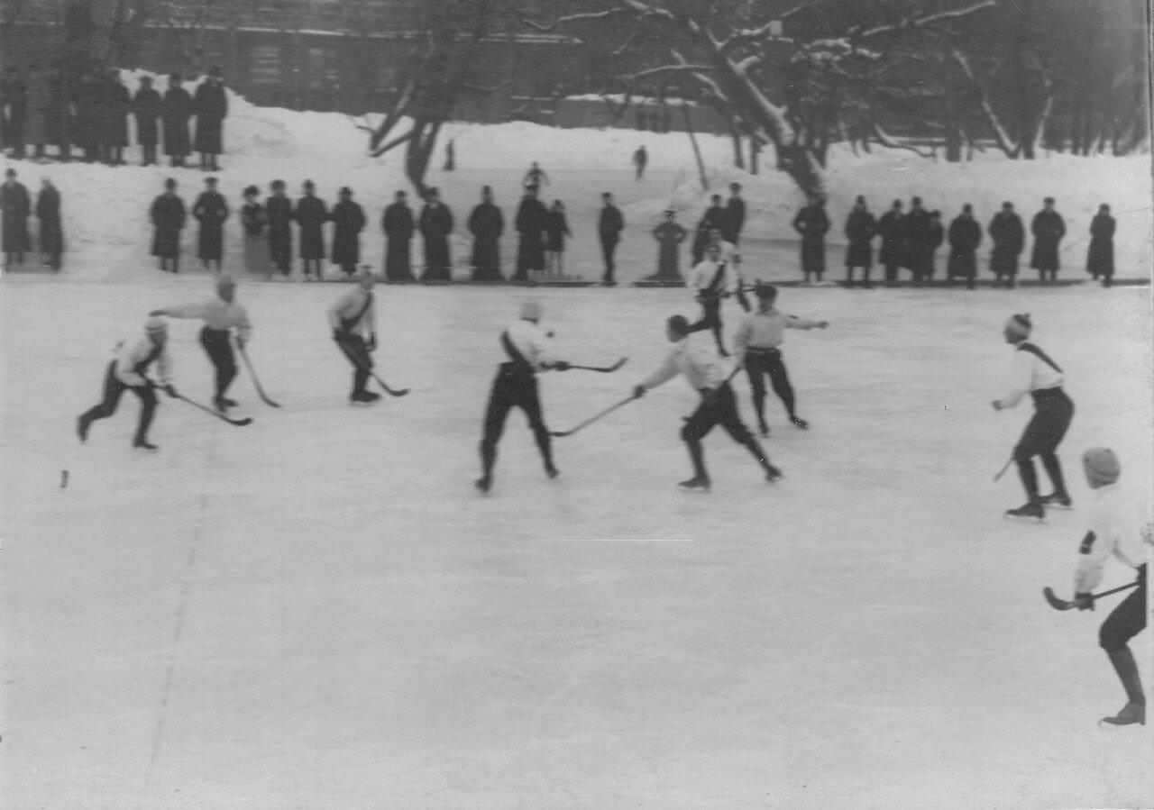 18. Состязание по хоккею в Юсуповом саду между юсуповцами и командой Нарва. 17 февраля 1913