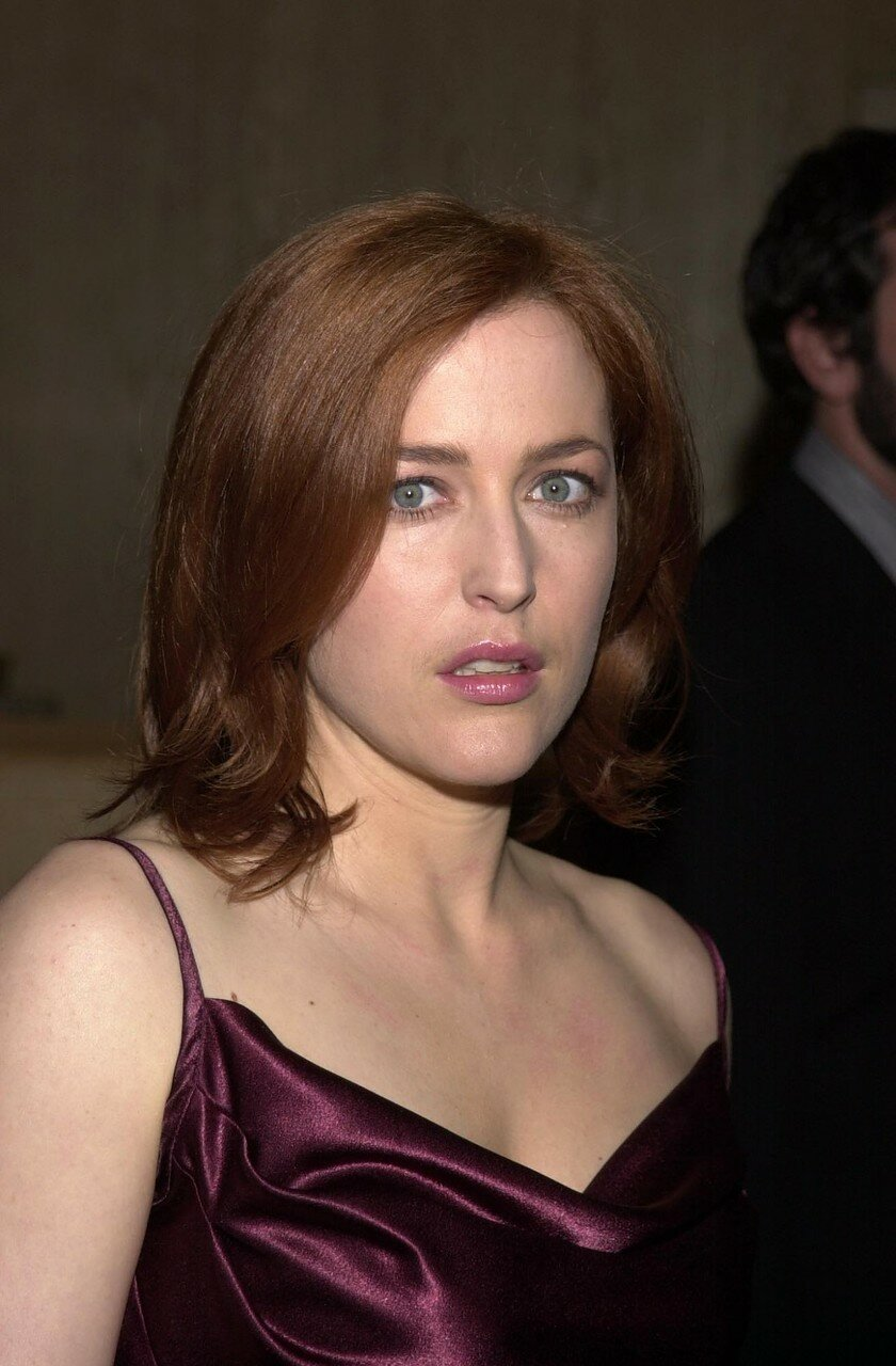 at the 2002 Genesis Awards, presented by the Ark Trust, honoring media who have spotlighted important animal issues.  Beverly Hilton Hotel, 03-16-02
