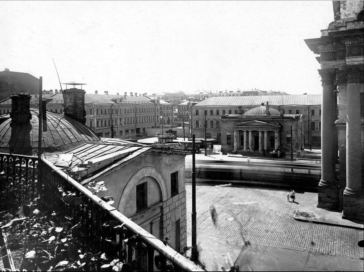 1930-е. Площадь Тверской звставы