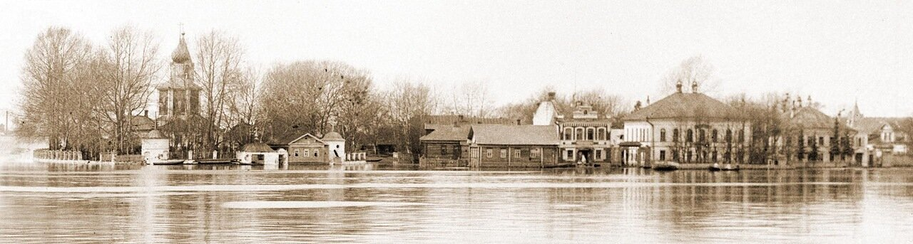 в 1930-е годы село Васильевское с храмом и бывшей усадьбой княгини Волконской с реки Шексны