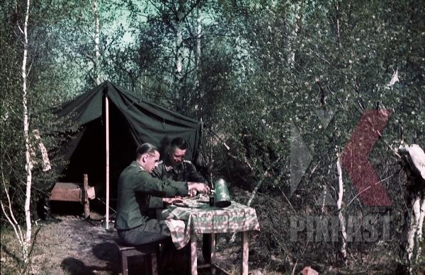 stock-photo-german-luftwaffe-flak-officers-tent-zeltbahn-coffee-russia-1941-3-flak-abt-701--8049.jpg