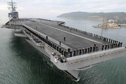 В учениях США у Филиппин участвуют два крупнейших авианосца