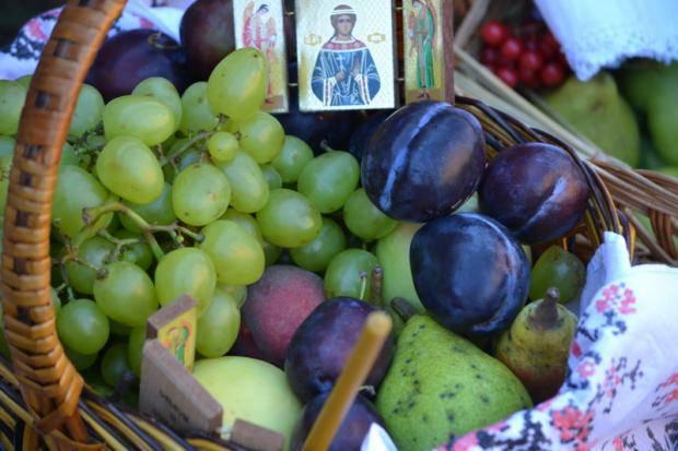 Щедрый август: Когда и как украинцы будут отмечать Медовый, Яблочный и Ореховый Спаси